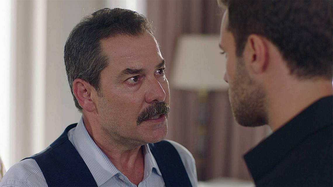 - За да предизвикваш баща си, трябва да имаш, не само сърце, а нужна смелост, която ти нямаш!