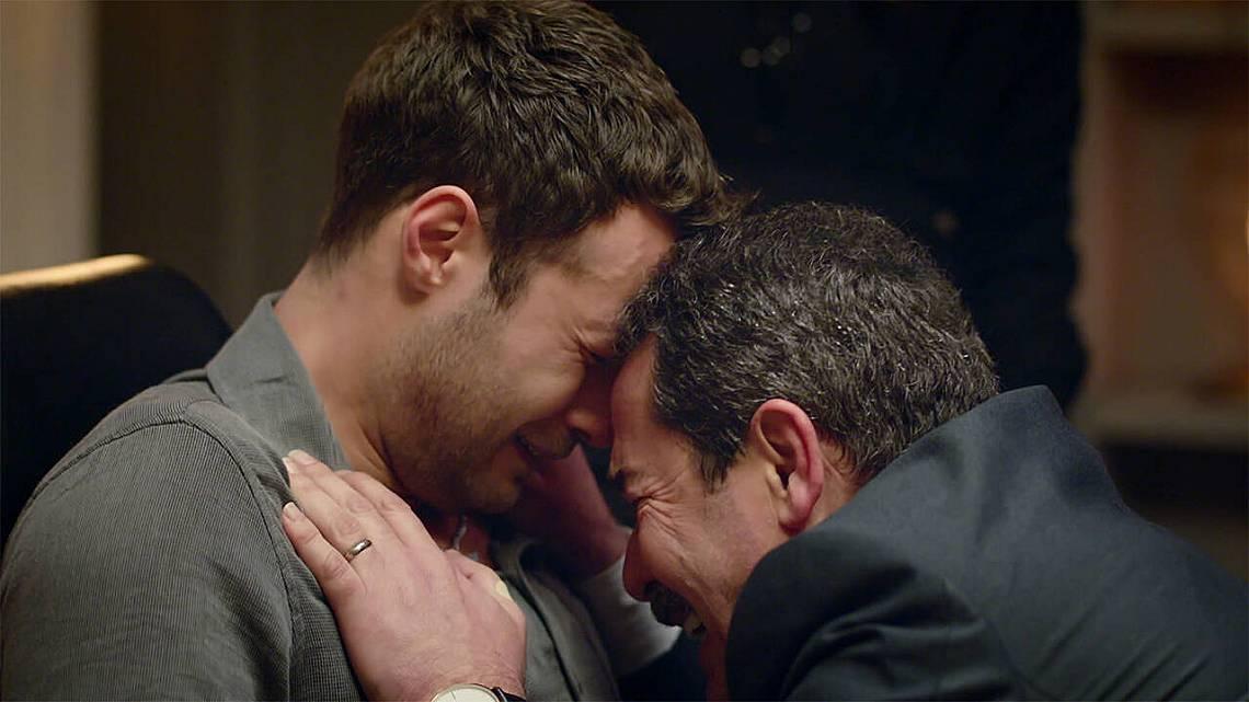 Агях не може да повярва... и моли Дженк, да му каже, че не е истина, че е бутнал Недим!