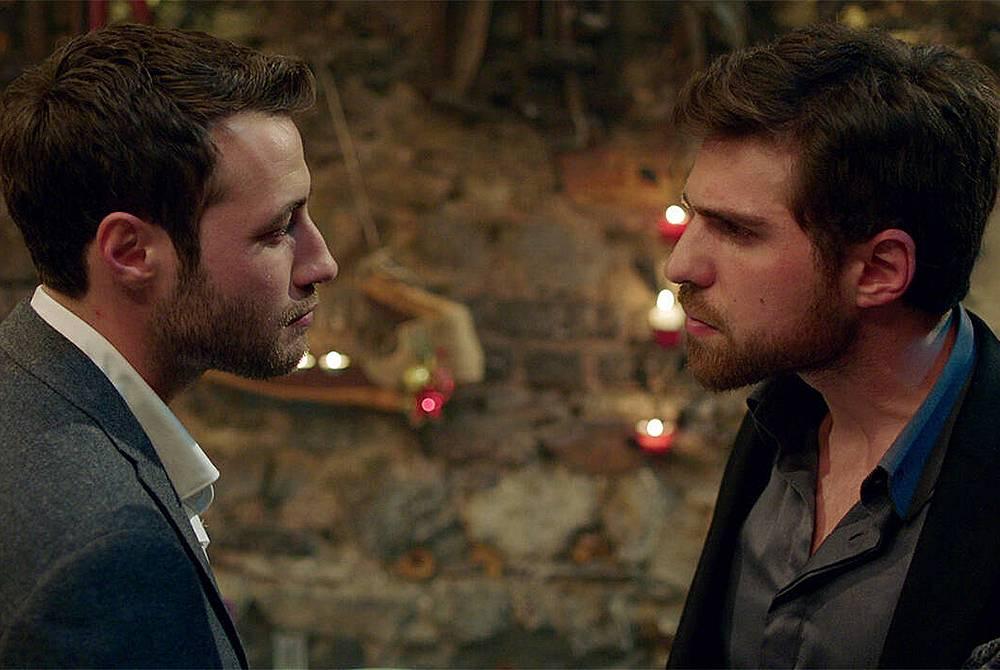Дженк казва на Недим: - Жалко... Ако има нещо по-силно за теб от любовта... И много жалко, че това наричаш любов към Джемре...