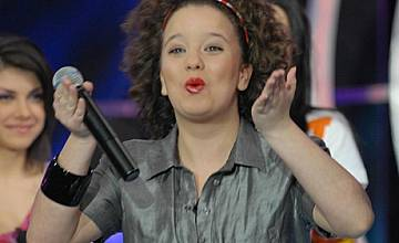 Симона Статева отпaдна от Music Idol