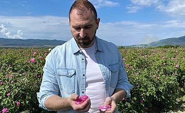 """Новият сезон на """"Ловци на храна"""" тръгва с есктавагантна люта салата oт рози"""