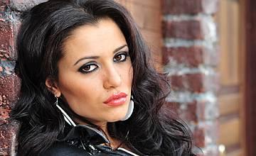 Стефани превзе турския радиоефир