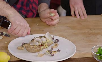 """""""Ловците на храна"""" Chef Андре Токев и Събин Ранков откриват мекотелите и ракообразните по време на пости"""