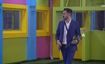 Приятелят на Емануела влезе в Къщата на Big Brother: Most Wanted