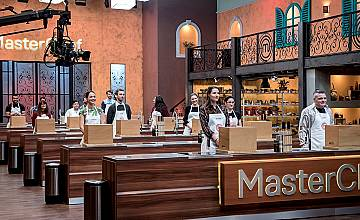 Chef Петър Михалчев преподава готвене с чук в понеделник в MasterChef