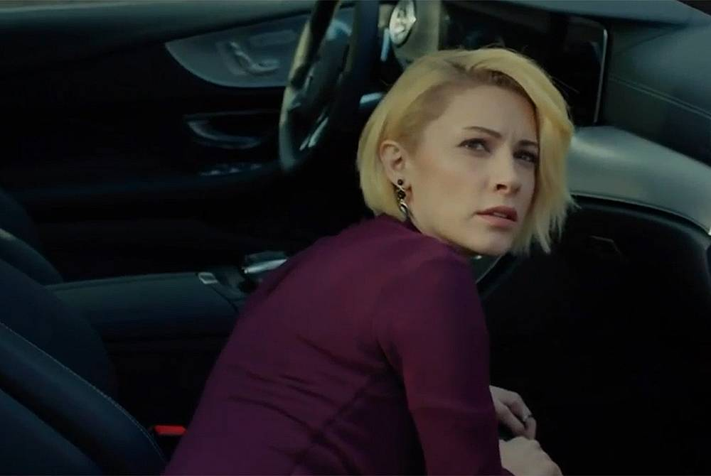Дерин оставя в колата на Саваш делото, което Белиз подготвяше, срещу Юрдал, но е хваната от Октай, а след това двамата се крият, за да не ги види Сава...