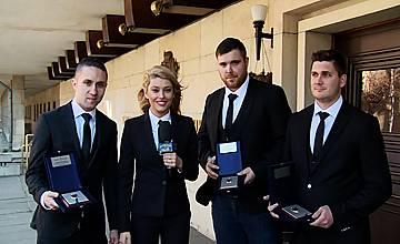 """МВР награди """"Господари на ефира"""" за разследването в Павликени"""
