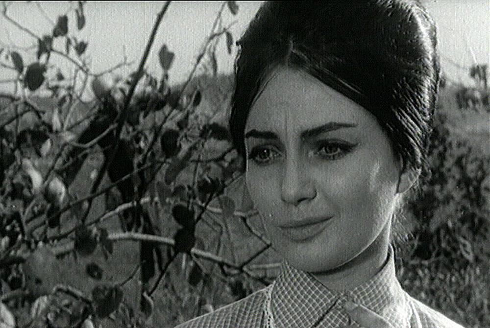 """Невена Коканова във филма """"Крадецът на праскови"""""""