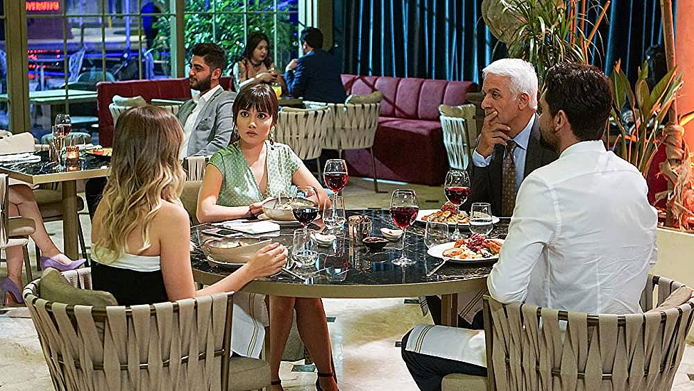 Халит не се интересува дали Зейнеп и Алихан   са заедно.