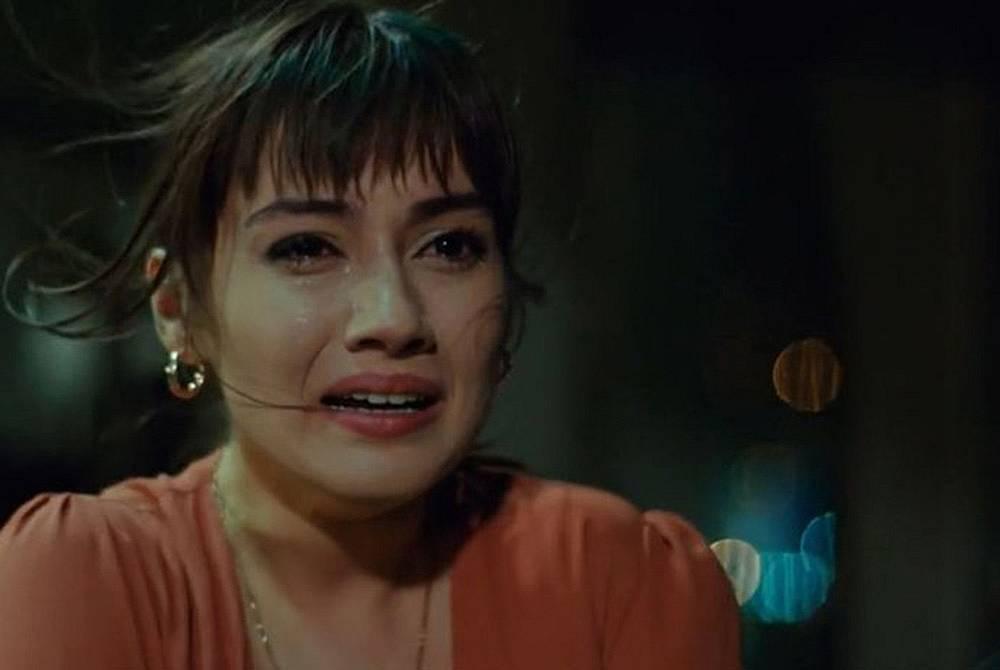 Йълдъз съветва сестра си, да се обади на Алихан, защото може да има обяснение, че не е дошъл, но Зайнеп и казва, че вече не я интересува.