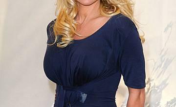 Памела Андерсън влиза във VIP Brother 2012