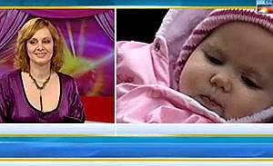 Параскева Джукелова показа дъщеричката си Калина
