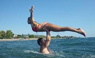 Димитър Рачков и  Мария Игнатова   тренират на плажа