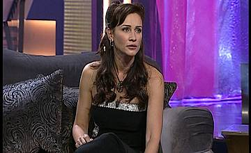 """Гост във """"Вечерното шоу на Азис"""" на 26 ноември - сряда,  ще бъде телевизионната водеща Радост Драганова."""