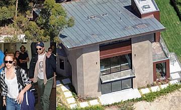Робърт Патинсън и Кристен Стюарт ще живеят заедно в Лос Анджелис