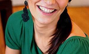 """С """"Истанбулска приказка"""" започва артистичната кариера на Седа Акман"""