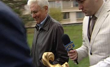 "Боби Ваклинов пострада при опит да връчи ""Златния скункс"" на Бисеров"