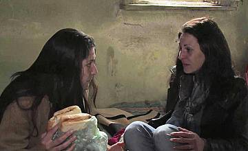 """""""Съдби на кръстопът"""": Майка избира между любовта и детето си"""