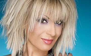 Певицата Тони Дачева  става майка на 46 години