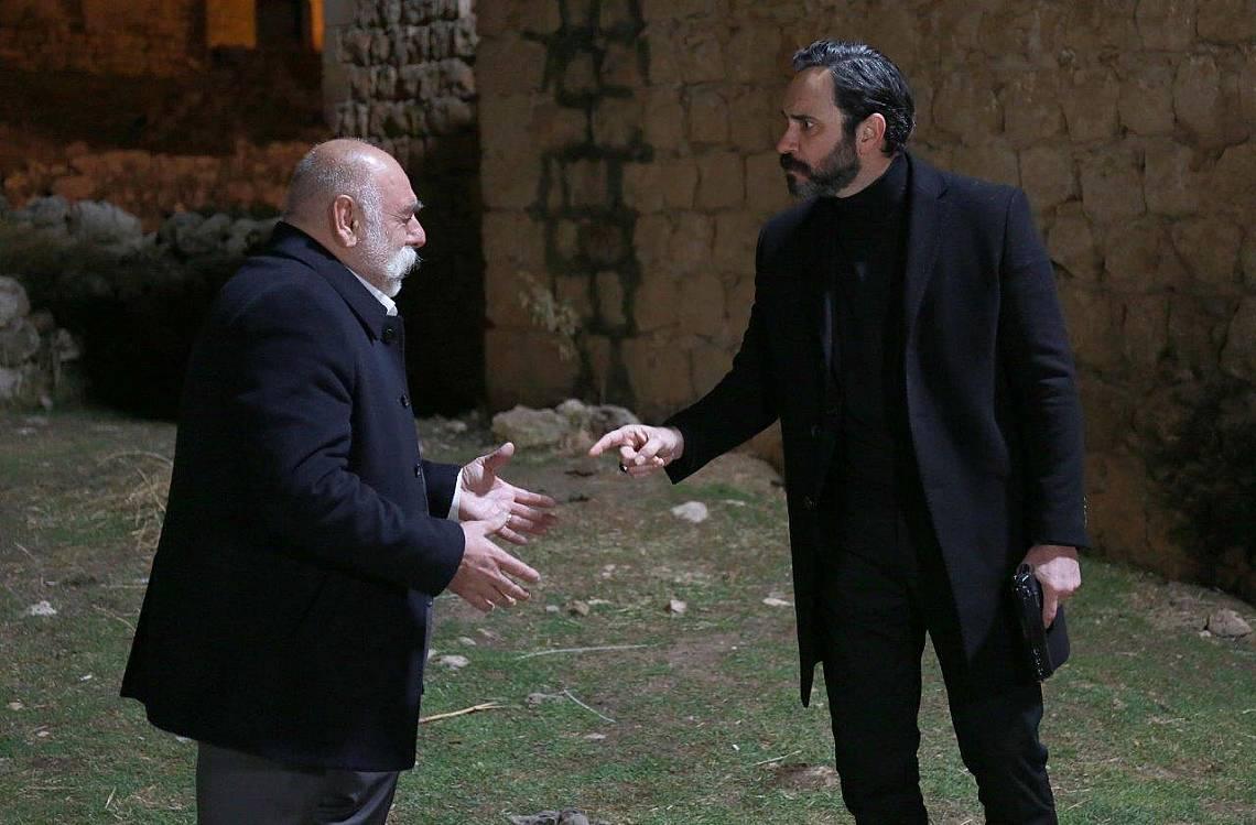 Миран се завръща, а Джихан напуска семейството си и се опитва да убие Азизе с пистолета на Миран, но Насух се опитва да го разубеди.
