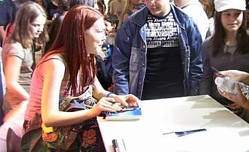 Теди Кацарова на сцената на Music Idol - 12 май