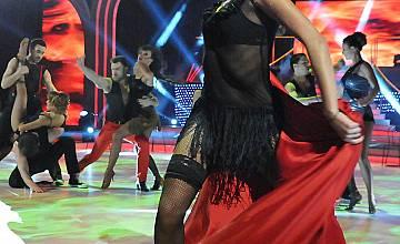 Танцьорката Яна Акимова в горещo танго с Тервел Пулев