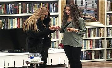 В Big Brother All Stars 2013  Джийсън и Пенка, обявява война на двете Златки